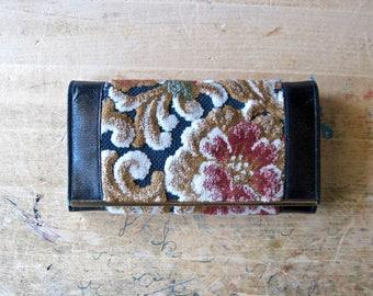 Vintage Wallet Clutch, Carpet Bag Tapestry Wallet, Leather Clutch, Floral Wallet, Women's Wallet, Leather Wallet, Vintage Tapestry Purse