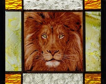 Lion suncatcher, Lion stained glass, kilnfired stained glass, lion, lion glasspainting, lion vitrail, vitrāža lauva, vitray aslanı, 彩色玻璃狮子