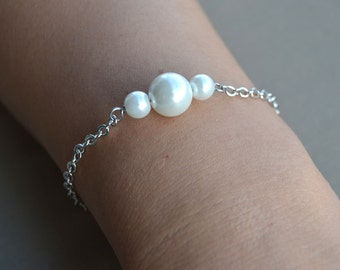 pearl Bracelet or necklace, White Glass Pearl Bracelet, Wedding Bracelet, Bridesmaid Bracelet, statement Jewelry, Maid of honor jewelry