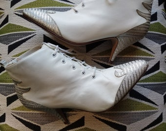 NEW Old Stock Candies White & Silver Leather Booties Wedding Boots 7.5