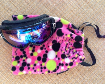 Pink Polka Dot Fleece Drawstring Goggle Bag for Skiers or Snowboarders Goggle Case Goggle Proctection