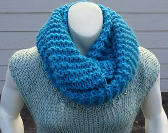 HANDKNIT CHUNKY INFINITY Scarf.  Deep Turquoise Blue Hand knit Acrylic/Wool Blend lnfinity scarf. Great Gift.
