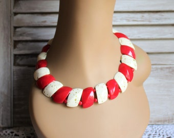Vintage. Plastic/beaded/red/gold speckles/white/choker/necklace. Cute and fun necklace! 1980s/1990s.