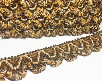 Brown Pumpkin and Beige Scalloped Braid - Vintage  French Lyon Flat trim - Designer Trim - Pillow Fringe - Sewing Trim - 1 Yard