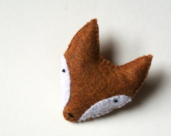 Fox Pin Fox Brooch Felt Fox Mother's Day Gift Handmade Plush Fox Pin Fox Accessory Fox Gift for Her One of a kind Nature Lover Gift Cute Fox