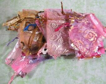 25 Assorted Color Organza Bags 5cm x 7cm (B346)