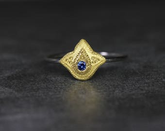 Dainty Platinum 22k Gold Ceylon Sapphire Ring Rich Yellow Blue Delicate Luxurious Floral Three Leaf Boho Yoga Stackable Design - Lucky Lotus