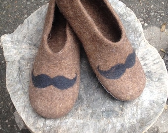 Men's felted wool slippers, original felted men's slippers with moustache, Men's house shoes, Felted clogs, Brown slippers for him