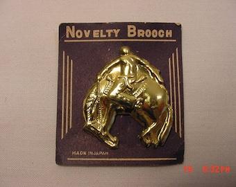 Vintage Bucking Bronco Rodeo Horse Gold Metal Novelty Brooch - Pin On Original Sales Card  18 - 344