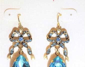 25% OFF SALE Light Blue Drop Pierced Vintage Earrings
