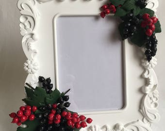 """Photo frame with handmade berries """"Black & red currant"""". Size 26 cm x23 cm."""