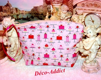 Makeup bag in pale pink cotton - pastry theme cupcakes