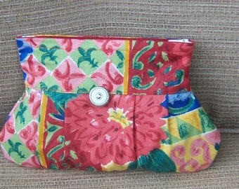 Pleated Zippered Floral Clutch