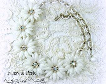 50s Vintage White Daisy Necklace with iridescent rhinestone centers bridal or prom