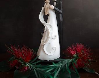 Vintage Cake Topper - Plastic Bride and Groom.