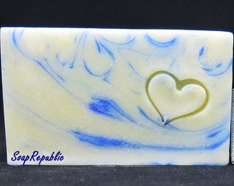 SoapRepublic 'Heart' 20x20mm Acrylic Soap Stamp / Cookie Stamp / Clay Stamp
