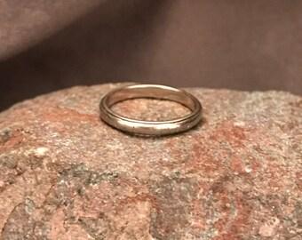 Vintage Belais 18k stackable ring