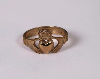 9K Yellow Gold Claddagh Ring, Size 9