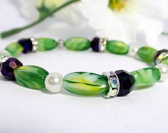 Peridot and Amethyst Beaded Bracelet, Women's Bracelet, Peridot and Amethyst Stretch Bracelet, beaded bracelet, Green Peridot, Amethyst
