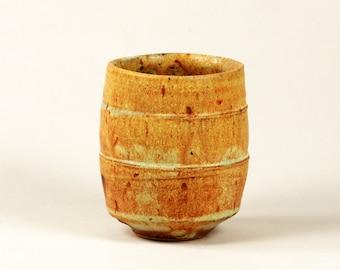Ceramic cup (yunomi)