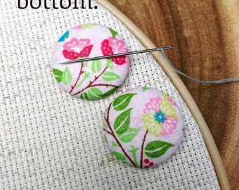 Needle Minder - Flowers  2 Piece Reversible Scout and Remy, Cross Stitch