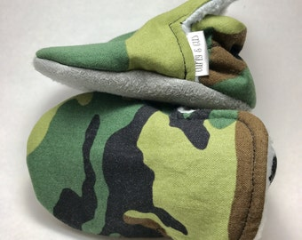 Camouflage Baby High Tops, Baby Boy  Shoes, Camo Baby Shoes, Soft Sole Baby Shoes, Baby Moccasins, Baby Booties, Baby Slippers, Crib Shoes