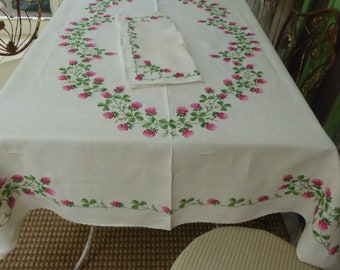"Vtg Embroidered Ivory Linen Tablecloth w/Six Napkins Pink and White Clover Green Leaves 65""Lx50""W"
