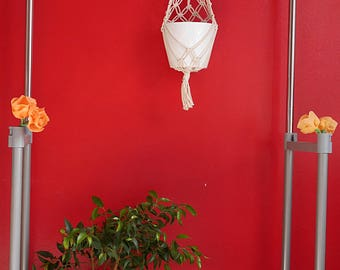 Macrame flower pot hanger