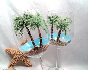 Free shipping Beach theme palm tree pair of hand  wine glasses