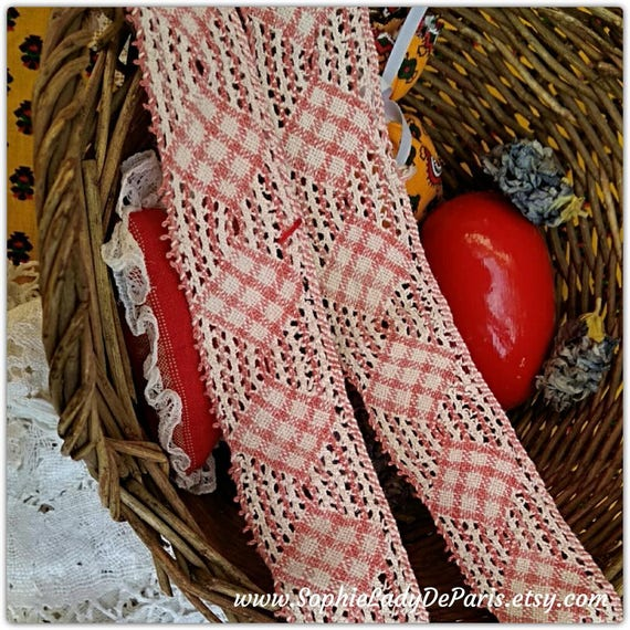 Faded Red French Lace Checkered Antique Cotton Bobbin Lace Kitchen Decor Sewing Project Collectible #sophieladydeparis