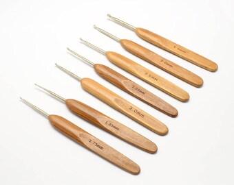 Bamboo Crochet Hooks Set (7 Hook Set, 1.75mm to 3.5mm)