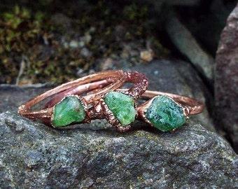Tsavoritring, gemstone ring, raw Tsavorite ring, Crystal ring, statement ring, copper ring, raw Crystal ring, Crystal ring, boho, boho