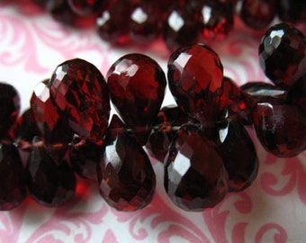 Sale..  5 10 20 pcs, Mozambique GARNET Teardrop Briolettes, Luxe AAA, 8-9 mm, Burgundy Cabernet Red, January birthstone wholesale beads mg89