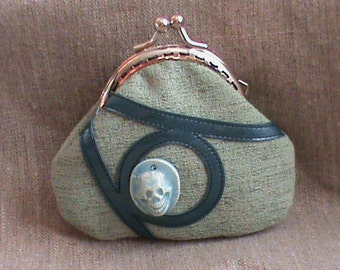 Ceramic skull wallet