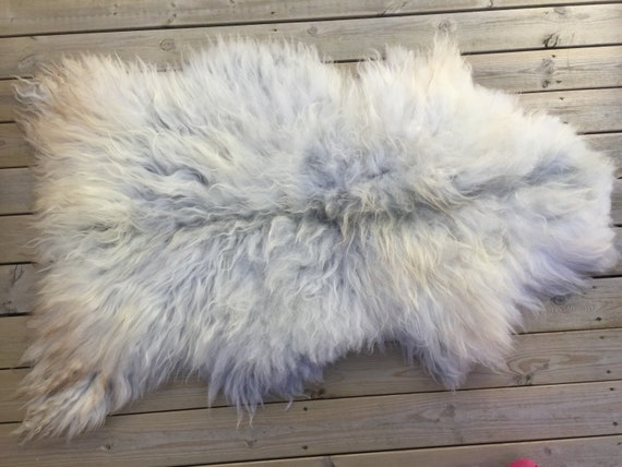 Decorative Sheepskin rug supersoft rugged throw from Norwegian norse breed long haired sheep skin grey white 18059
