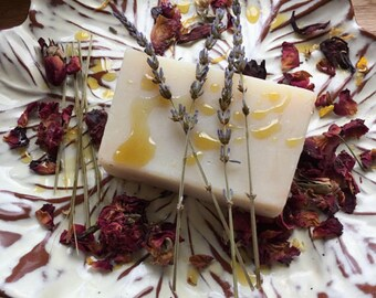All Natural Hydrating Soap Bars 5 oz Goats Milk, Phthalate free, Essential Oils, Non drying, Shaving cream,