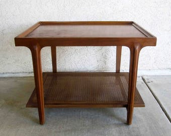Vintage Drexel Apart Mates End Table in Walnut. Circa 1960's.