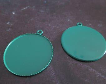 a pretty medium green pendant cabochon 25mm
