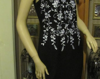Beautiful Positive Attitude Black and White Floral Embroidered Dress size 6