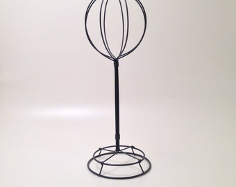 """21"""" Wire Hat Stand."""