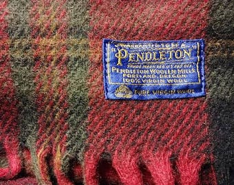 Classic vintage Pendleton 100% wool plaid blanket / throw
