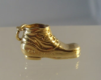 Vintage 1960s 9 ct gold hallmarked boot charm
