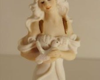 Vintage Highly Collectible Authentic GIUSEPPE ARMANI FIGURINE Lady With Doves