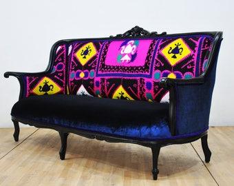 Vintage Sofa - Suzani
