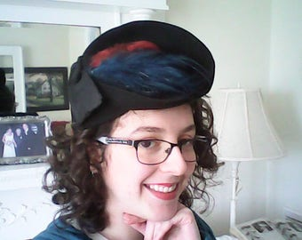 1930s CHIC WOOL HAT Rare Style Ooh LaLa