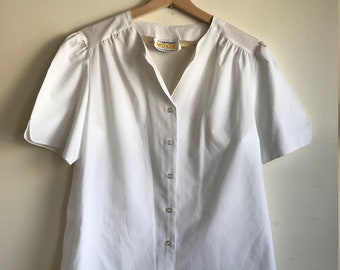 1980s White Short Sleeve Lady Arrow Blouse