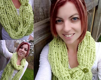 FREE SHIPPING - Crochet Chunky Infinity Scarf - Crochet Wrap - Crochet Circle Scarf - Crochet Cowl-Neck Warmer - Button Closure