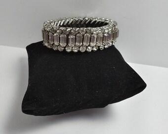 Vintage Rhinestone strech bracelet