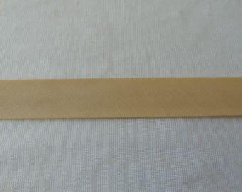 Plain, beige, through width 40/20 mm (P005)