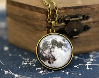 Full Moon Necklace, Moon Necklace, Solar System Necklace, Planet Necklace, Moon Phase, Universe Jewelry, Space Jewelry, Galaxy